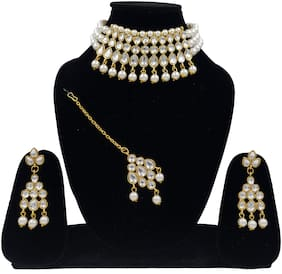 ZaffreCollections Beautiful Kundan & White Pearl Choker with Matching Dangle Kundan Earrings and Kundan Maang Tikka Set for Women and Girls