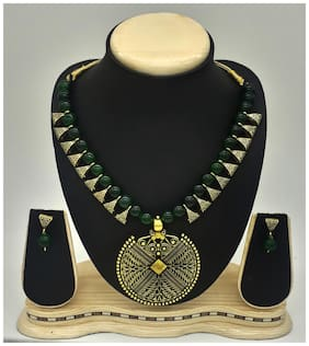 Zcarina Green Beads Brass Loop Necklace set