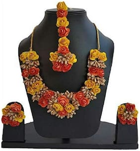 Zcarina Jewellery Set for Women Florel Necklace;Earrings & Maang Tika for Girls (Mehandi/Haldi)