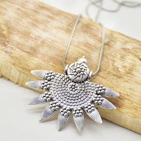 Zcarina Sun Designer Pendant with long Chain For Girls