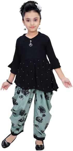 Arshia Fashion Girl's Blended Printed 3/4th sleeves Kurti & salwar set - Black