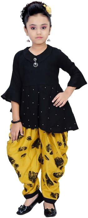 Arshia Fashions Girl's Viscose rayon Floral 3/4th sleeves Kurti & salwar set - Black & Yellow