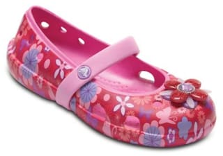 9a2e9a952 Buy Crocs Multi-color Sandals For Girls Online at Low Prices in ...