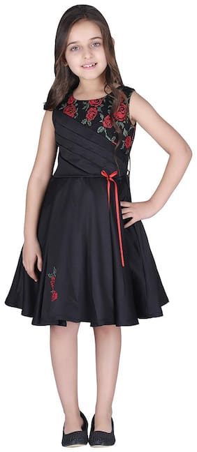 Cutecumber Black Satin Sleeveless Knee Length Princess Frock ( Pack of 1 )