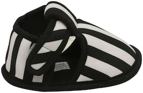 D'chica Black & White Booties For Infants