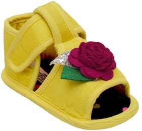 D'chica Yellow Sandals For Infants