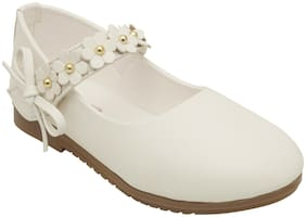 D'chica White Ballerinas For Infants
