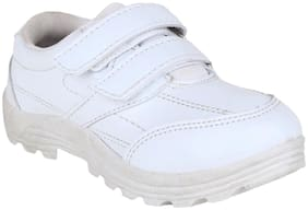 Myau White Girls Casual Shoes
