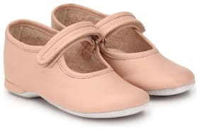 Hirel's Beige Girls Casual Shoes