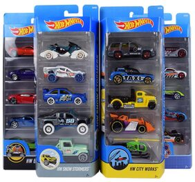 Hot Wheels 5 Cars Gift Pack;Styles May Vary