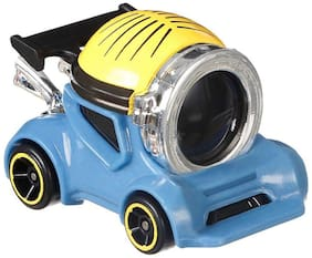 Hot Wheels Despicable Me 3 Minion Stuart Character Car, Multi Color