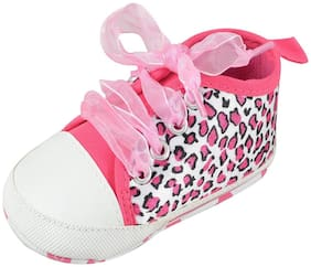 Instabuyz Pink Casual Shoes For Infants