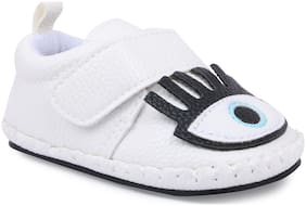 Instabuyz White Casual Shoes For Infants