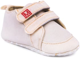 Instabuyz Beige Casual Shoes For Infants