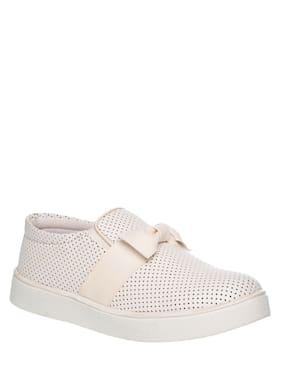 Khadim's White Girls Casual Shoes