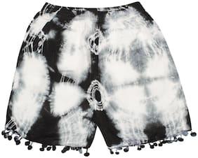 KiddoPanti Hot Pants Above Knee Casual Black & White