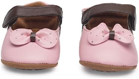 KUTUMBH Pink Booties For Infants