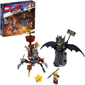 LEGO Battle-Ready BatmanTM and MetalBeard