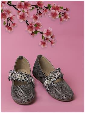 LITTLE SOLES Black Ballerinas For Girls
