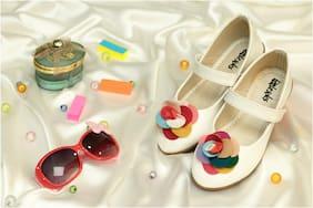 LITTLE SOLES White Ballerinas For Girls