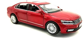 Mini Auto Red 1:32 Scale Diecast Metal Volkswagen Passat Pull Back Car Toy with Openable Doors, Lights and Sound Effects