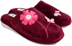 N FIVE Girl's Maroon Canvas Slipers
