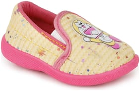 NEOBABY Beige & Pink Casual Shoes For Infants