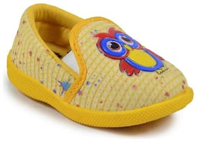 NEOBABY Yellow Casual Shoes For Infants
