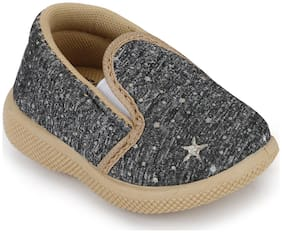 NEOBABY Grey Casual Shoes For Infants