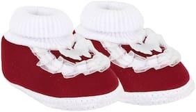 Neska Moda Maroon Booties For Infants