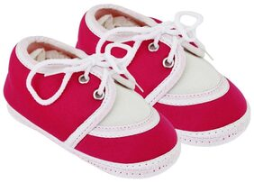 Neska Moda Pink Booties For Infants