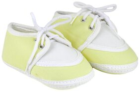 Neska Moda Yellow Booties For Infants