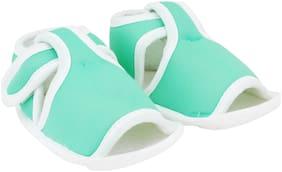 Neska Moda Green Sandals For Infants
