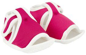 Neska Moda Pink Sandals For Infants