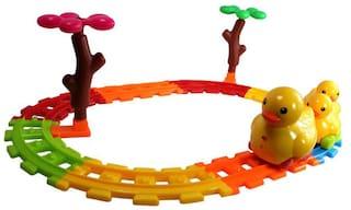 Planet Of Toys Duck Rail Car Track Set (Set Of 21 pcs)