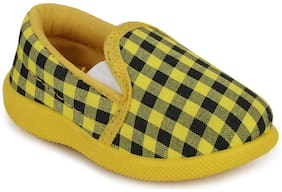 SMARTOTS Yellow Casual Shoes For Infants