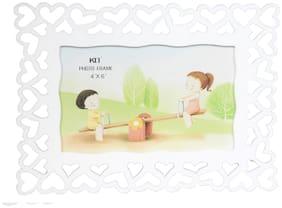 Tickles White 4 x 6 Circular Designer Photo Frame Valentine Gift