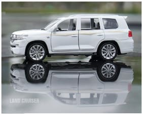 White Diecast Metal Toyota Land Cruiser Pull Back Car Toy with Openable Doors, Light and Sound Effects