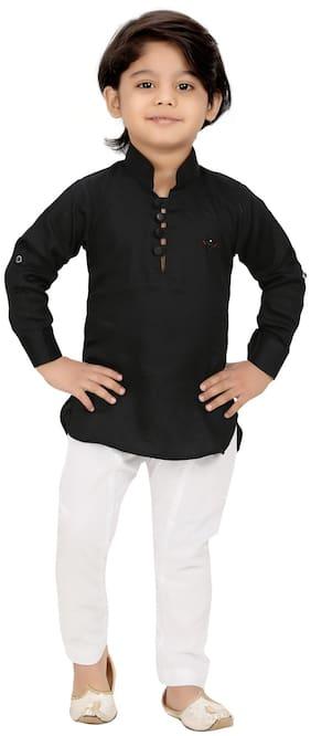 XBOYZ Boy Cotton blend Solid Kurta pyjama set - Black & White