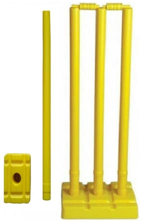 Arnav Plastic Cricket Full Size  Four Stumps  Two Balles  one base of three Stumps  One base of Single stump Bowler side