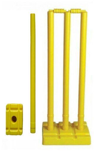 Arnav Plastic Cricket Full Size, Four Stumps, Two Balles, one base of three Stumps, One base of Single stump Bowler side,