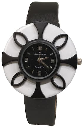 Branded Women Floral Case Analogue watch