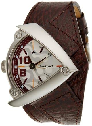 Fastrack  3022Sl01 Men Analog Watch