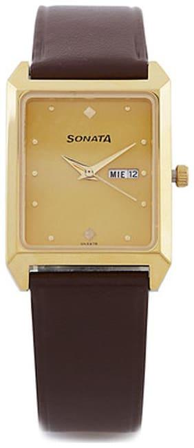 Sonata  7007Yl05 Men Analog Watch