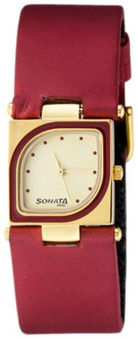 Sonata  8919Yl04 Women Analog Watch