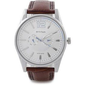 Titan  9322Sl05 Men Chronograph Watch