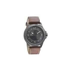Titan  1701Ql01 Men Analog Watch