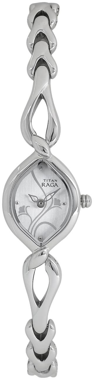 Titan NK2455SM01 Women Analog watch